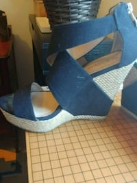 Wedge Sandal Just Fab Size 7  Mississauga, L5R 0B6