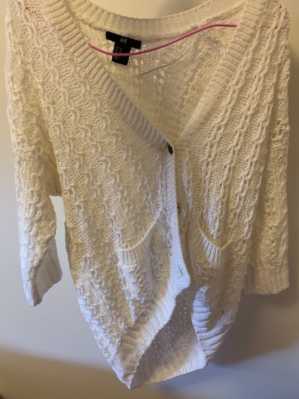 H&M sweater white brand new Xs
