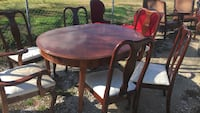 two brown wooden windsor chairs Baytown, 77521
