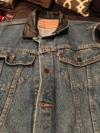 Levi Denim Jacket with Leather Sleeves Simpsonville, 29680