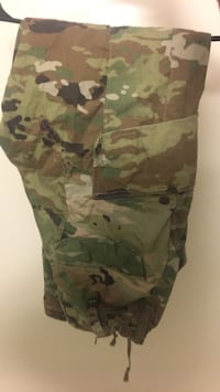 OCP never used size 25-short women's pants Joint Base Lewis-McChord, 98433