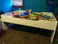 Train table and Thomas the Train set Boyden, 51234