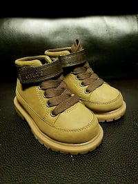 New Toddler Boots size 5  2346 mi