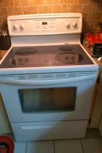 Stove fridgidaire Montreal, H3G