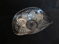 Antique glass bowl with curved side 517 km