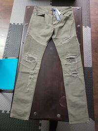 H&M size 32 new with tags Surrey, V3X 1L7