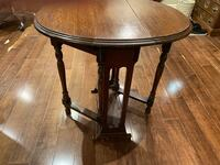 Antique solid wood foldable side table Toronto, M1P 1Y5