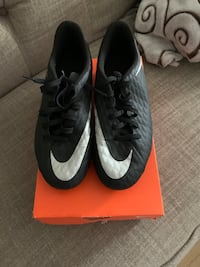 soccer cleats size 6