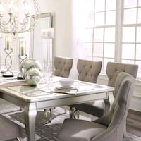Dining table chairs  Las Vegas, 89109