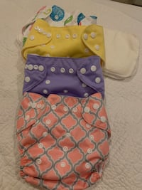 Cloth pocket diapers with inserts