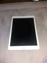 iPad  cash only