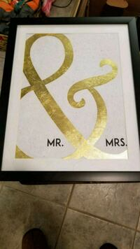 Mr and Mrs sign Barrie, L4M 6Y4