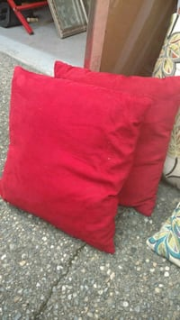 Set of red suede throw pillows Sammamish, 98074