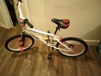 Girls bike  is brand  new only ride two times Woonsocket, 02895
