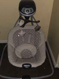 Graco simple sway baby swing Baltimore, 21218