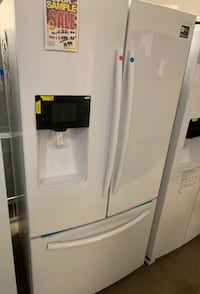 ❥New white Samsung French door fridge - Seaford
