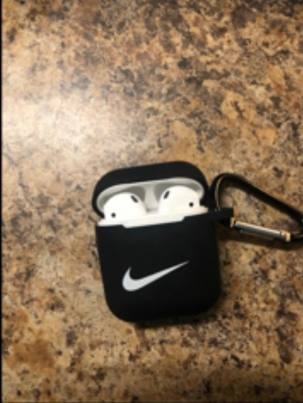Sold Apple Airpods With Nike Case In Cranberry Township Letgo