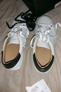 white Citizen shoes size 9 Sooke, V9Z 0W7