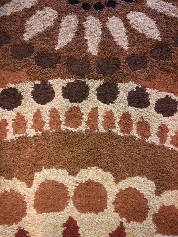 Beautiful, Like New, Multi-Color Area Rug.  9338c1b9-4b28-450e-8549-ea9b09610ae8