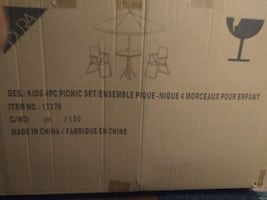 kids picnic table and chairs. New in box