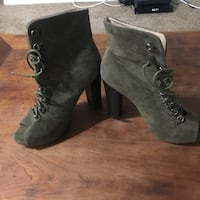 Like New. Olive Green Suede open toe ankle boots with laces. Size 8. Los Angeles, 90034