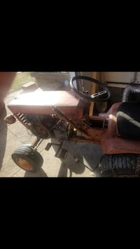 Wheel horse tractor with push blade runs  Niles, 49120