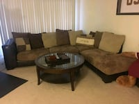 Sectional couch living room District Heights, 20747