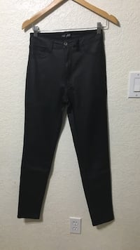 leather pants Puyallup, 98375