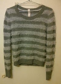 gray and black knitted sweater Garland, 75043
