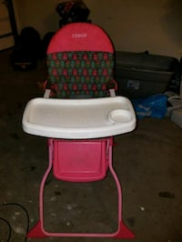 baby's red and white high chair El Paso, 79924