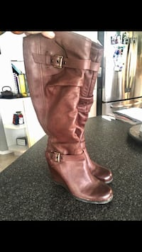 BROWNS TALL LEATHER BOOTS SZ 9 Sherwood Park, T8H 1Z2