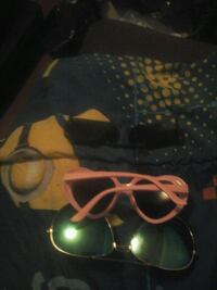 3 sunglasses 3 dollars for all 3 Cleveland, 44109