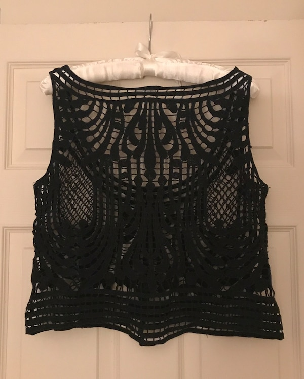 9f20bb1040890e Used Black loose lace crop top for sale in Lethbridge - letgo