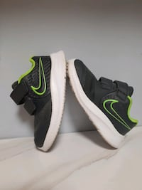 NIKE BOYS SNEAKERS - Infant Size 6c