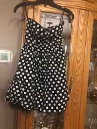 LADIES STRAPLESS DRESS SIZE SMALL North Dumfries, N0B