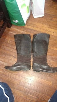 Boots with suede detail Toronto, M6N 4P4