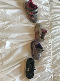 4 unpaired low top sneakers size 5 Lafayette