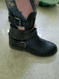 Real leather boots Montreal, H4G 2C5