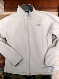 Women's medium north face fleece jacket Thornton