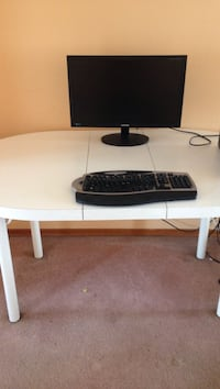 White Oval Table - Perfect for children to use for crafts, projects etc Mississauga, L4T 3C7