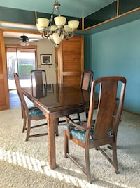 Dining room table and 4 chairs (Real Wood) 1126 mi
