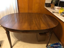 Dining Room Table & Matching China Cabinet
