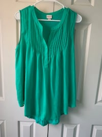 Green scoop neck sleeveless dress shirt Woodbridge, 22193