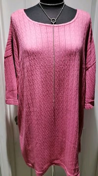 Plus Size Top  24-26 Hamilton, L8K 5G5