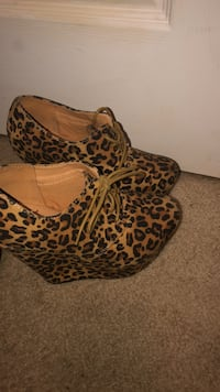 Cheetah Print Wedge Heels Macon, 31210