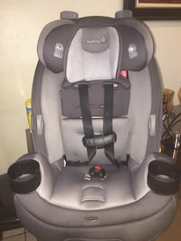 baby's gray and black car seat carrier 2268 mi