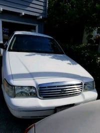 Ford - Crown Victoria - 2005 Daly City, 94017