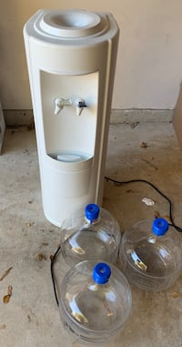 Water dispenser with 3 glass bottles