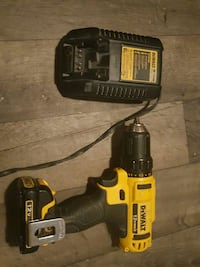 DEWALT cordless hand drill with battery charger 1963 km