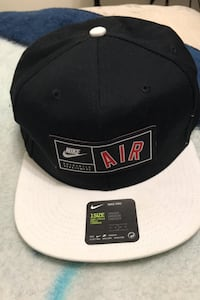 Nike hat like new  Nanaimo, V9R 1N7